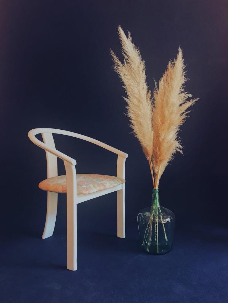Three legs 90's chair.jpeg
